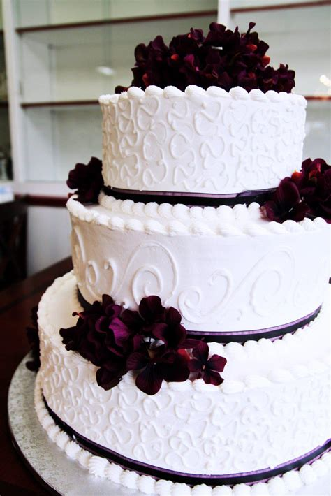 Wedding On Cake by Wedding Cakes Colozza S Bakery