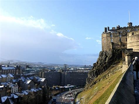 edinburgh a traveller s reader a traveller s companion books a local s guide things to do in edinburgh scotland