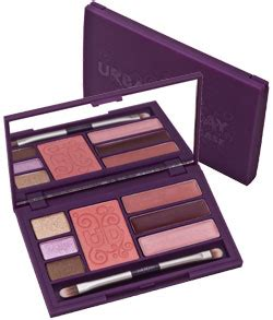 8 Great Travel Makeup Kits by Decay 8 Great Travel Makeup Kits