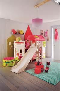 Ordinaire Tableau Chambre Petite Fille #2: chambre-enfant-fly_5019472.jpeg