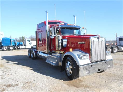 kenworth semi trucks used 2015 kenworth w900l 86 studio tandem axle sleeper