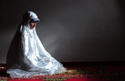 Hukum Wanita Datang Bulan Ziarah Kubur Hukum Berdoa Ketika Haid Atau Datang Bulan Doa Mustajab