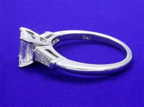 emerald cut ring 1 27 carat with 1 50 ratio in 0