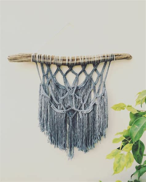 Hanging Macrame - 17 best ideas about macrame wall hangings on