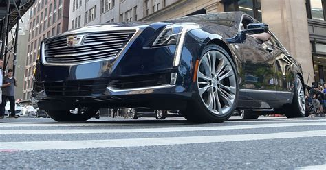 2019 cadillac self driving cadillac rolls out self driving car on the freeway ct6