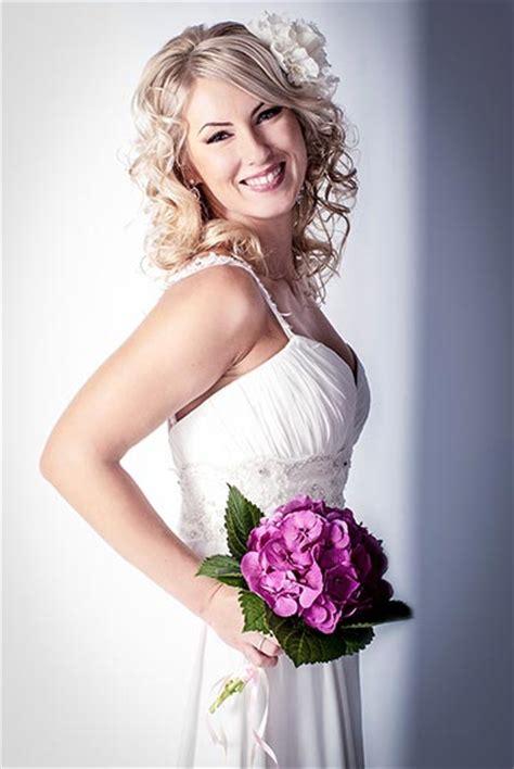 Hochzeitsfrisur Lange Haare Locken by Brautfrisur Mit Duftigen Locken Hochzeitsfrisuren