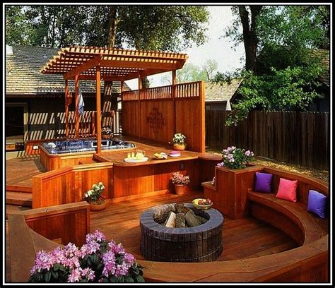 Backyard Deck Ideas With Tub by 17 Best Ideas About Small Backyard Decks On