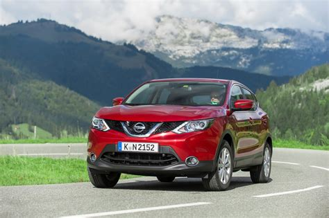 nissan dualis 2016 nissan qashqai gets updated for 2016 carscoops