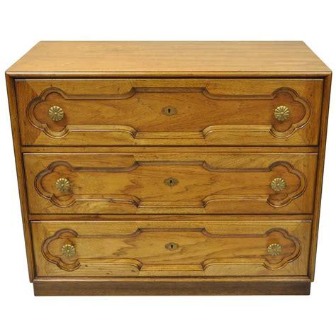 vintage drexel heritage dresser vintage drexel heritage hollywood regency bachelor chest
