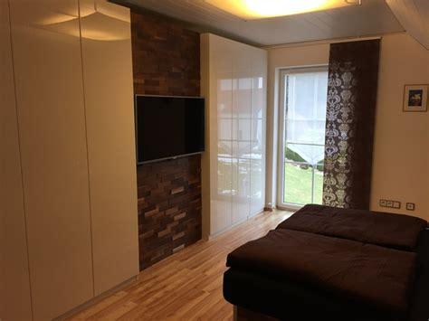 schlafzimmerwand paneele schlafzimmer gestalten mit steinwand speyeder net