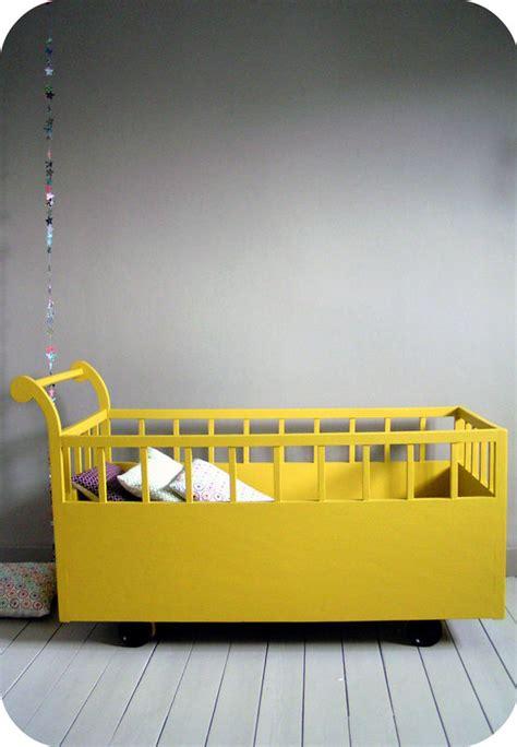 lit roulotte vintage lit roulotte l atelier du petit parc