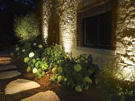 Landscape Lighting Tips 22 Landscape Lighting Ideas Diy Electrical Wiring How Tos Light Fixtures Ceiling Fans