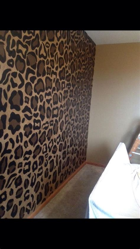animal print bedroom wallpaper 1000 ideas about cheetah bedroom decor on pinterest