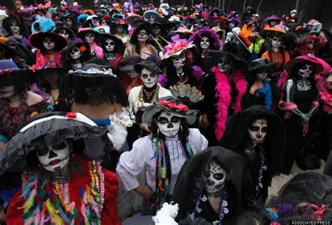 day of the dead stunning photos of mexico s day of the dead record