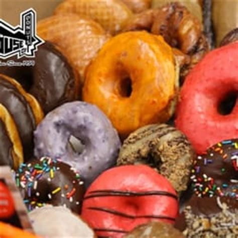 house of donuts lakewood original house of donuts 220 foto e 328 recensioni donut 9638 gravelly lake dr