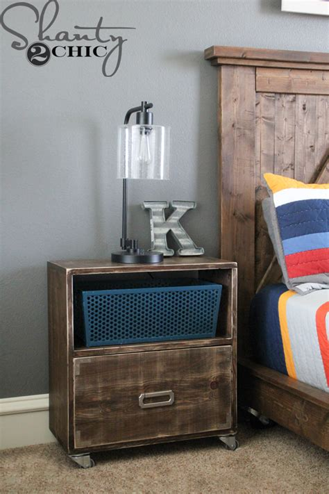 Nightstand With L Attached by Diy Nightstand On Wheels Shanty 2 Chic