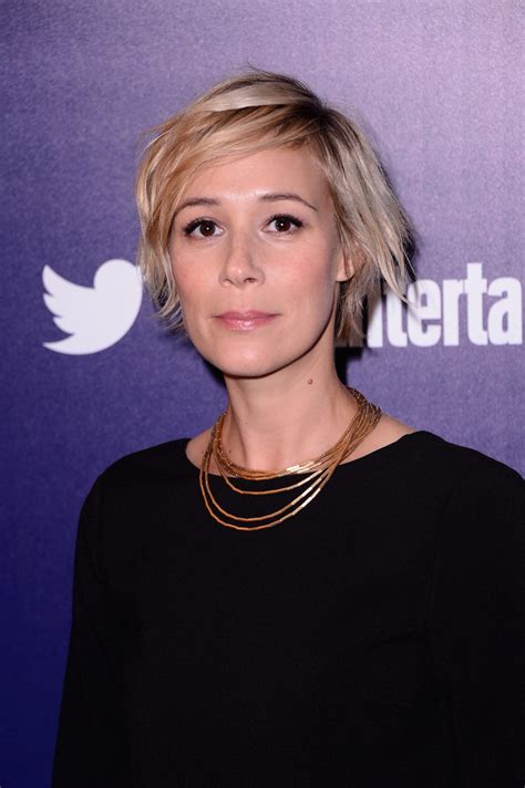 liza weil pics with short hair liza weil in entertainment weekly and people celebrate