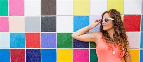 welche farbe passt zu silber farbtypenlehre welche farben passen zu dir beautypunk