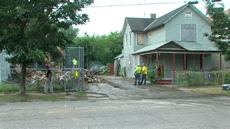 ariel castro house watch ariel castro s house of horrors gets demolished