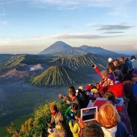 Penanjakan bromo puspo indonesia from the top of gunung