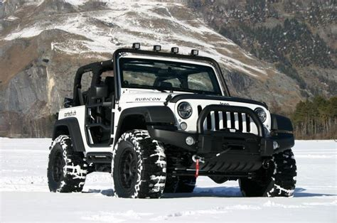 White And Black Jeep Wrangler White Jeep Wrangler Rubicon Auto Jeep