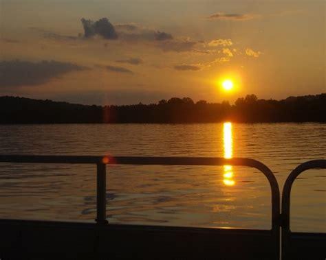 pontoon boat rental ohio pontoon boat rentals pleasant charles mill marina