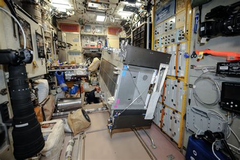 Iss Interior by Iss Space Station Interior Pictures Page 3 Pics About