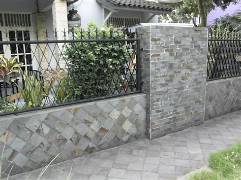 aneka desain pagar batu alam  rumah idaman