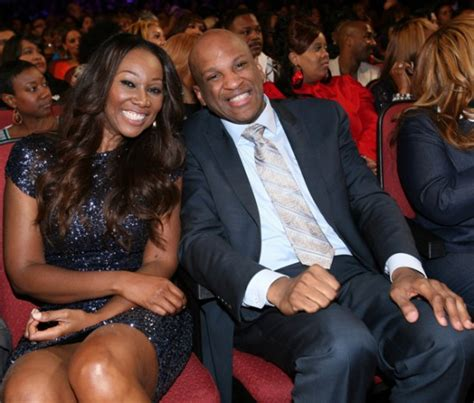 pictures of yolanda adams and second husband who is yolanda adams dating 2018 married to husband
