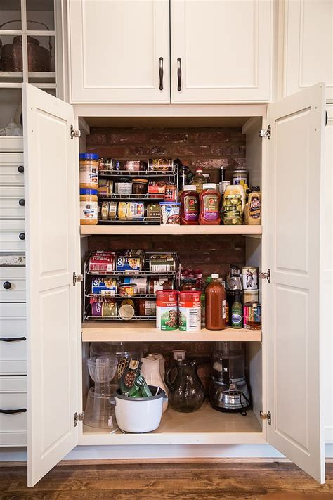 10 Unique Pantries that Usher Textural Beauty into Modern