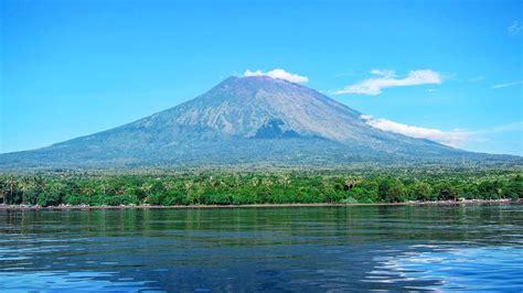Detiknews Gunung Agung Bali   gunung agung one of the best activities in bali