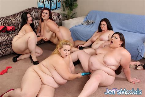 Bbw Minnie Mayhem Hardcore Lesbian Photos Naked Woman Big Ass Huge Tits Group Sex