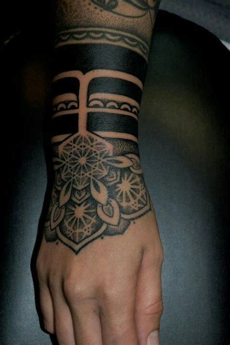 solid black tattoo designs mandala solid black wrist tatuajes hermosos para