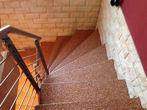 kieselbeschichtung treppe steinteppich kieselbeschichtung minimalistisch