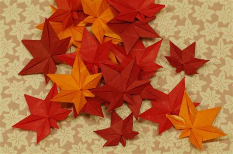 Origami Maple Leaf - eight fall origami designs soranews24