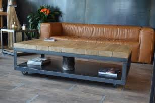 table basse industrielle bois brut vieilli et acier