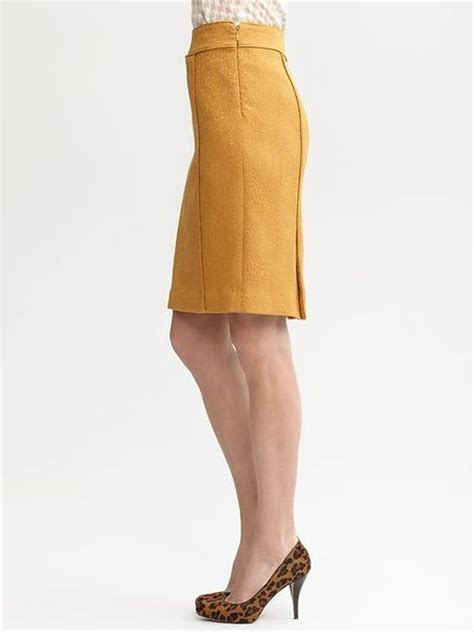 banana republic solid textured pencil skirt in yellow