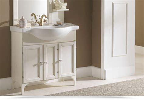 mobili bagno decape mobili bagno decape rosa divani colorati moderni per il