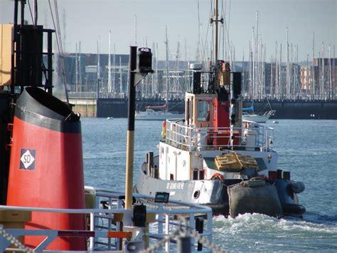 tug boat captain jobs jobs on tug boats captain and tugboat mate