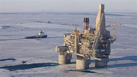 Setelan Kastri Navy A rig 200k ton sakhalin begins production rt news