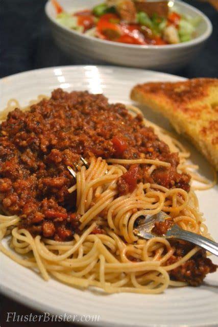 spaghetti dinner w salad and garlic bread feed 4 for 4 38 cheaprecipes 5 dollar meals