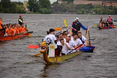 dragon boat youth race dragon boat races 2015 rotary club of prague international