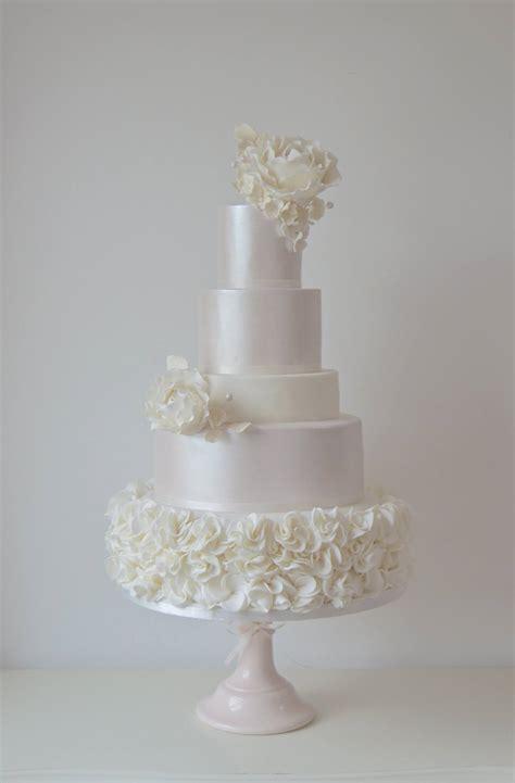 luxury wedding cakes  lancashire   north west