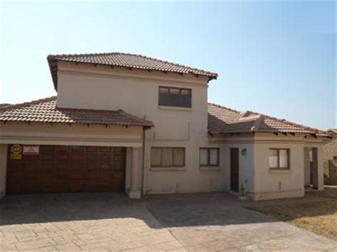 townhouses to rent in centurion 3 bedrooms standard bank repossessed 3 bedroom house for sale for