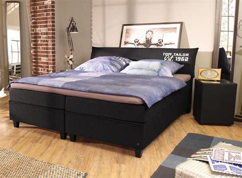 boxspringbett mit nachttisch modernes tom tailor color design boxspringbett mit kopfteil