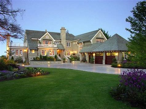 Cottages And Mansions by 1000 Ideas About Big Houses Exterior On Big