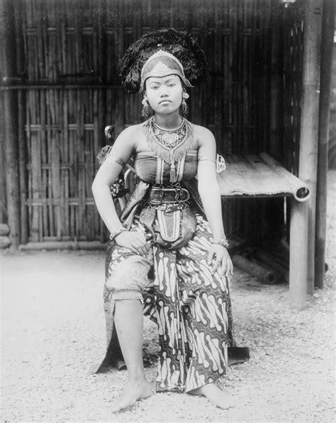 Potret Inspiratif Perempuan Tionghoa Indonesia potret kecantikan wanita indonesia jaman dulu masih polos