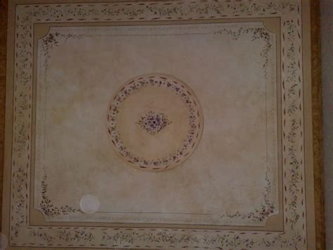 soffitto decorato decorazioni murali