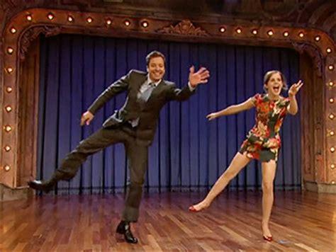 emma watson jimmy fallon dance harry potter star emma watson teaches jimmy fallon grease