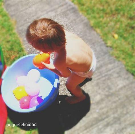 imagenes de niños jugando con agua pequefelicidad 10 juegos con agua para ni 209 os de 1 a 2